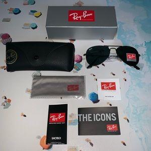 Ray-Ban Accessories - Brand new ray-ban all black aviator sunglasses